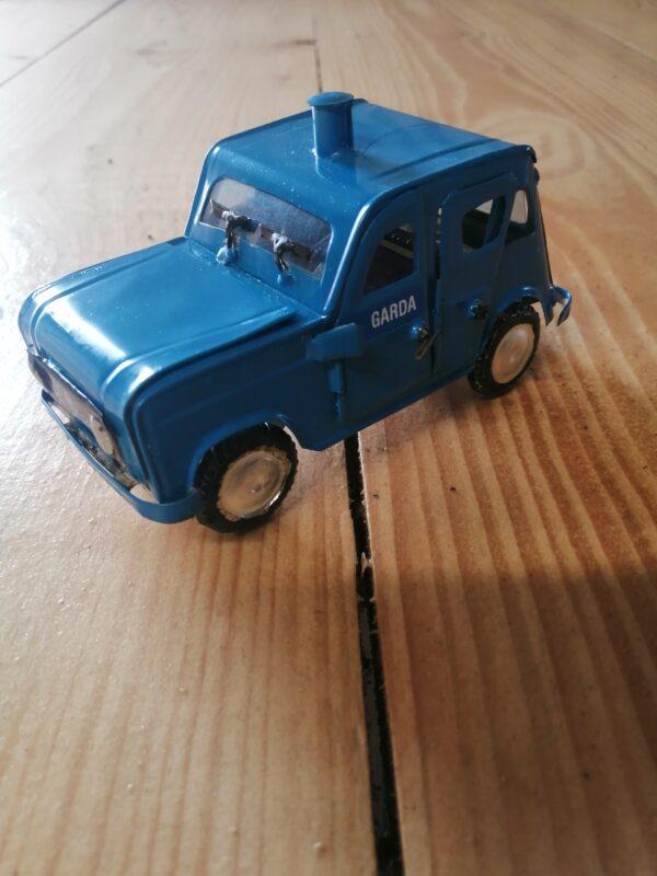 handmade model garda car